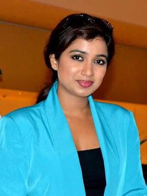 Shreya Ghoshal Stylish Look