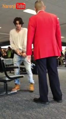ادرار بازیگر سریال Twilight در فرودگاه