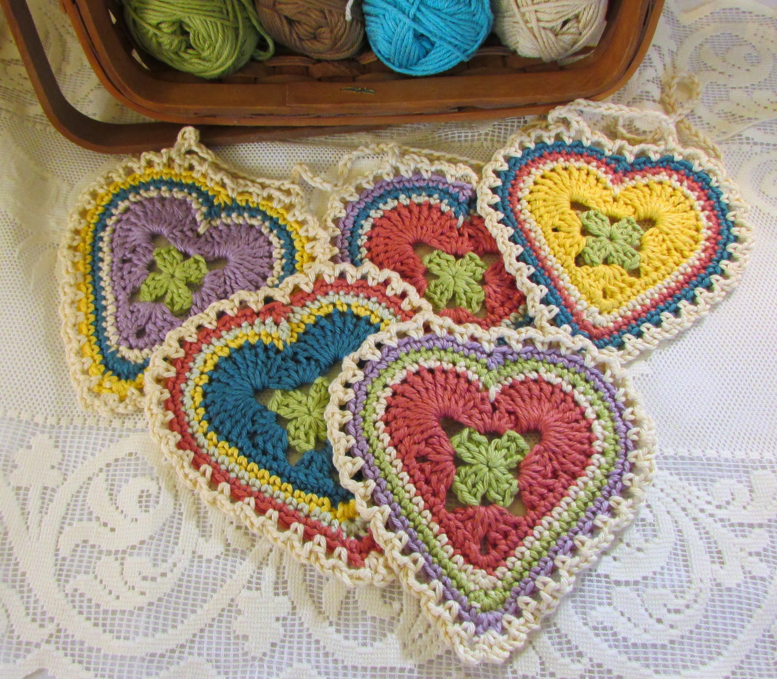 Crochet Granny Square Heart Patterns : Nancy Drew Designs: Granny Sweet Heart Pattern