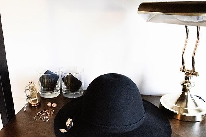 chapeau bijoux