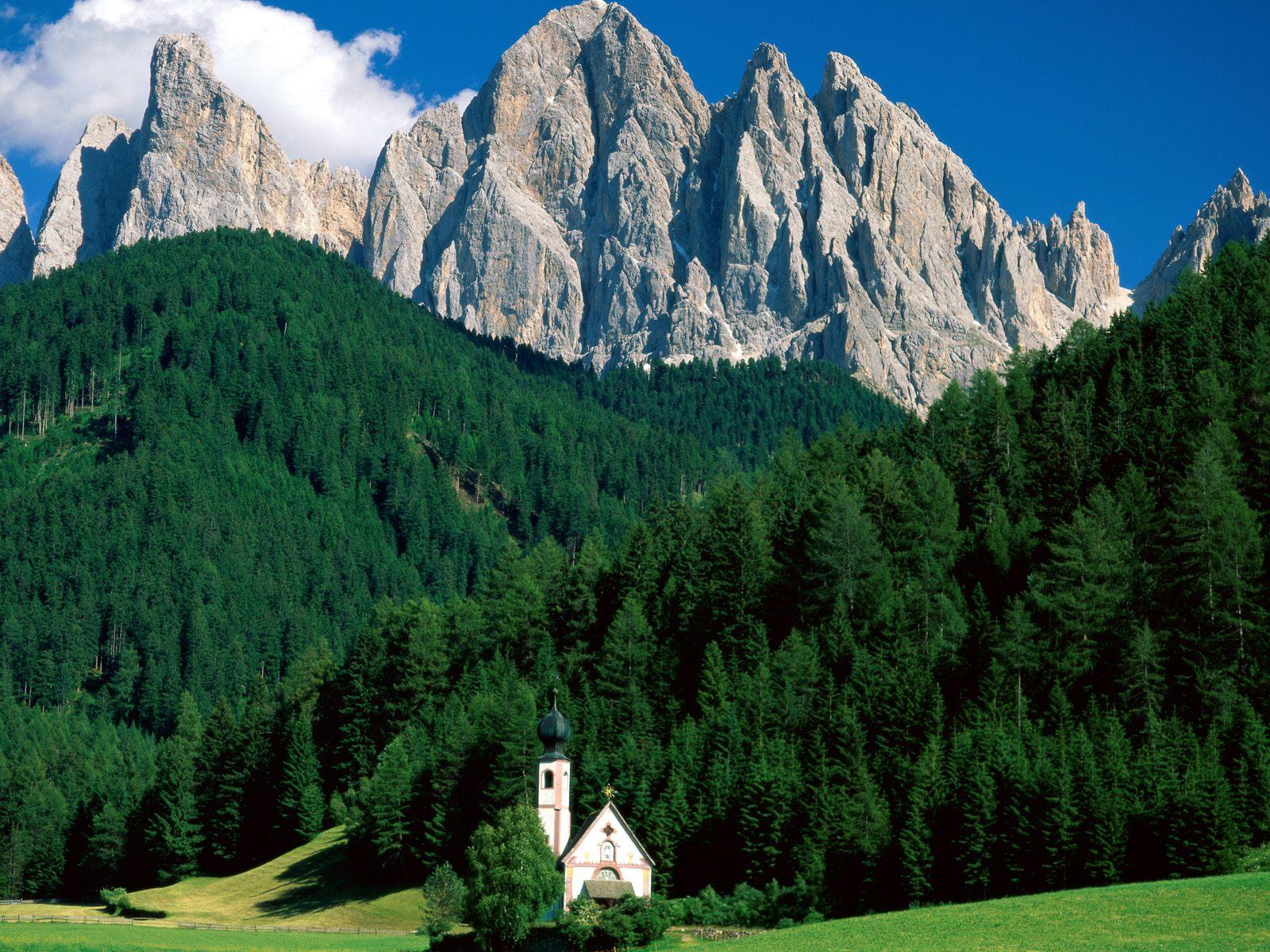 http://2.bp.blogspot.com/-Z1yFzMUkfCY/Tcp3fF1rOwI/AAAAAAAACW8/p1VoNYk1D8w/s1600/Dolomite+Mountains%252C+Italy.jpg