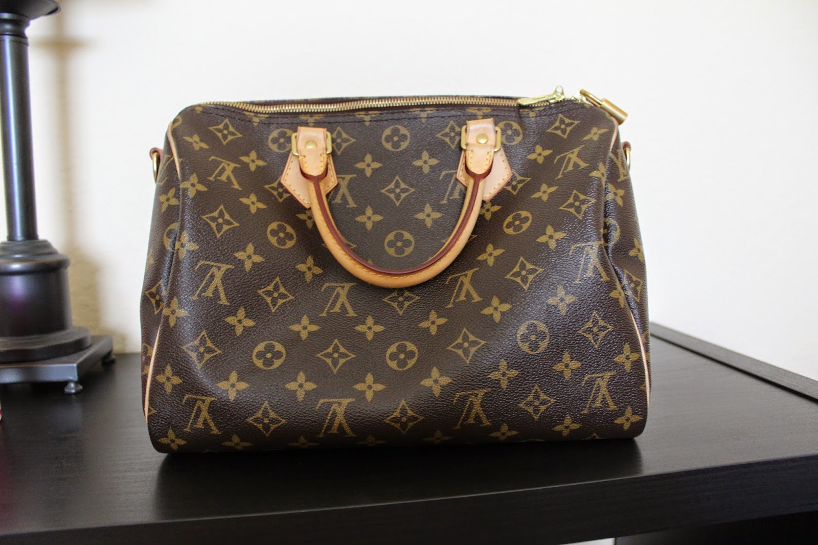 Back of Louis Vuitton Speedy Bandoulière 30