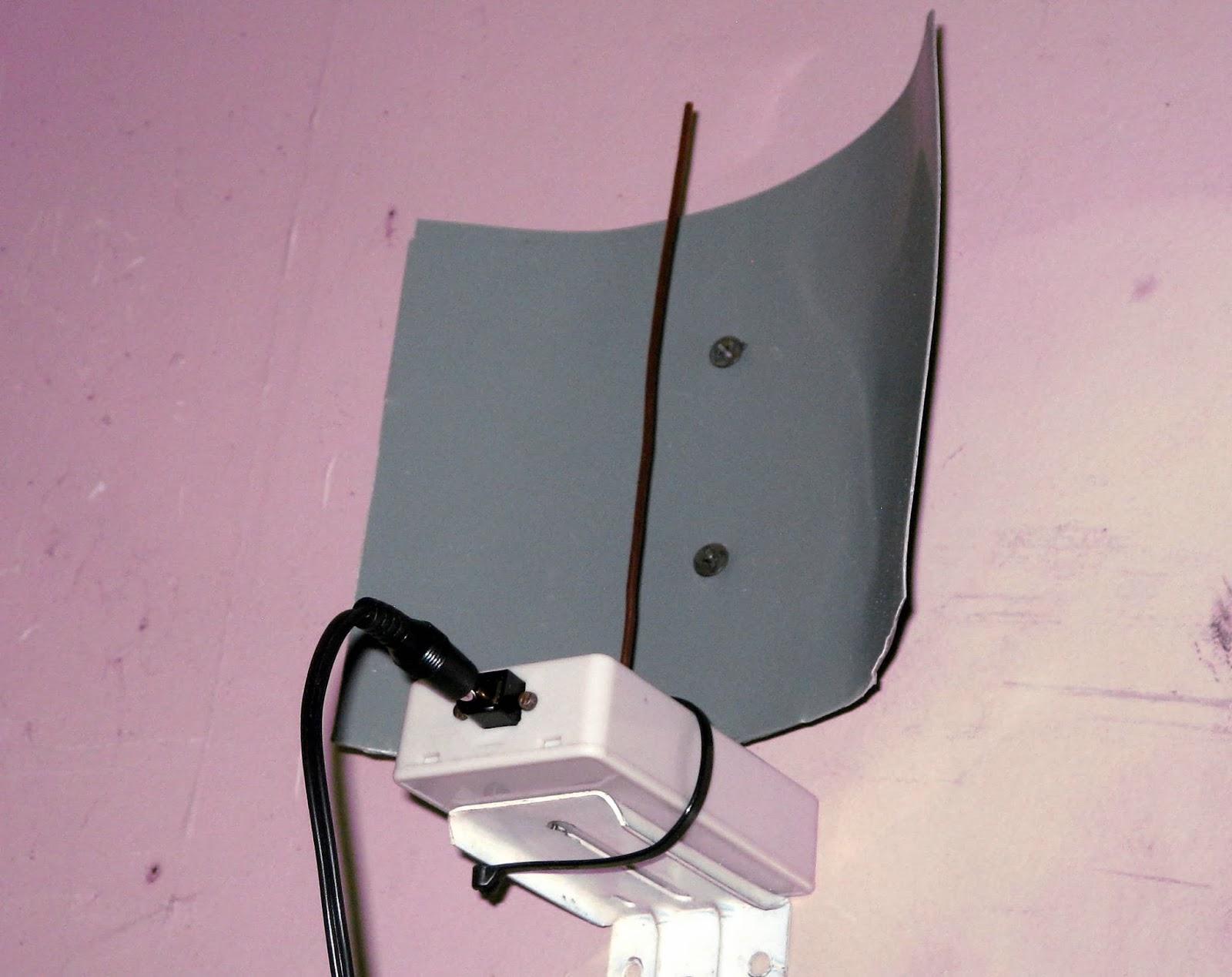 Technocats Techtalk Add A Diy Audible Alert To Motion Sensing Flood Light Wiring Instructions Installing Remote Detector 433 Mhz Sensor Sending Unit