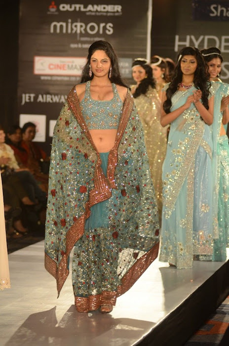 hyderabad fashion week beautiful model glamour  images