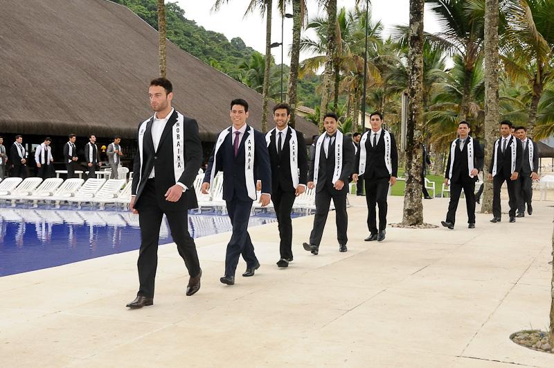 Misters desfilaram de traje de gala na prova Top Model. Foto: Estúdio Xis