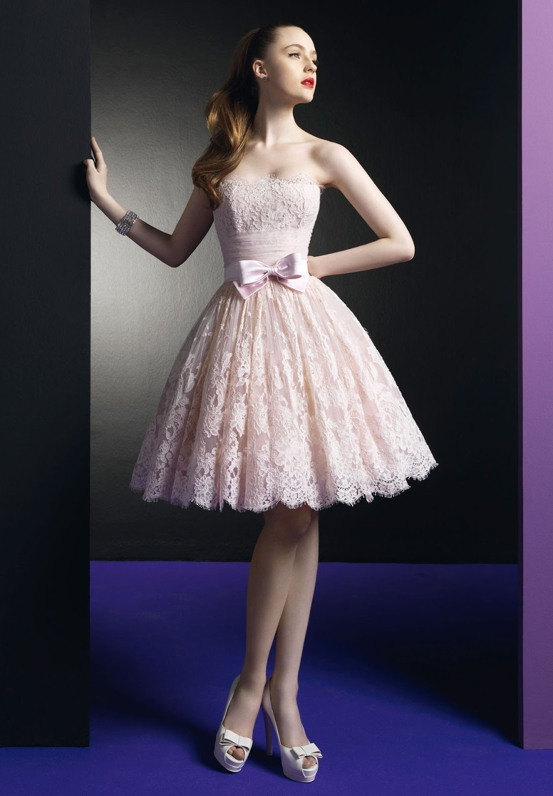 http://2.bp.blogspot.com/-Z2h7TMe4YDk/UH0Vx0O-KfI/AAAAAAAAAqU/1YqYxKSo9Bc/s1600/lace-strapless-ball-gown-short-cocktail-dress.jpg