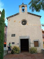 La façana de migdia de l'ermita de Santa Margarida