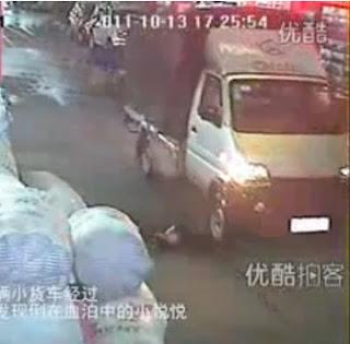 Budak digilis van dan lori tiada peduli,langgar lari,kemalangan jalanraya,langgar budak,digilis kereta