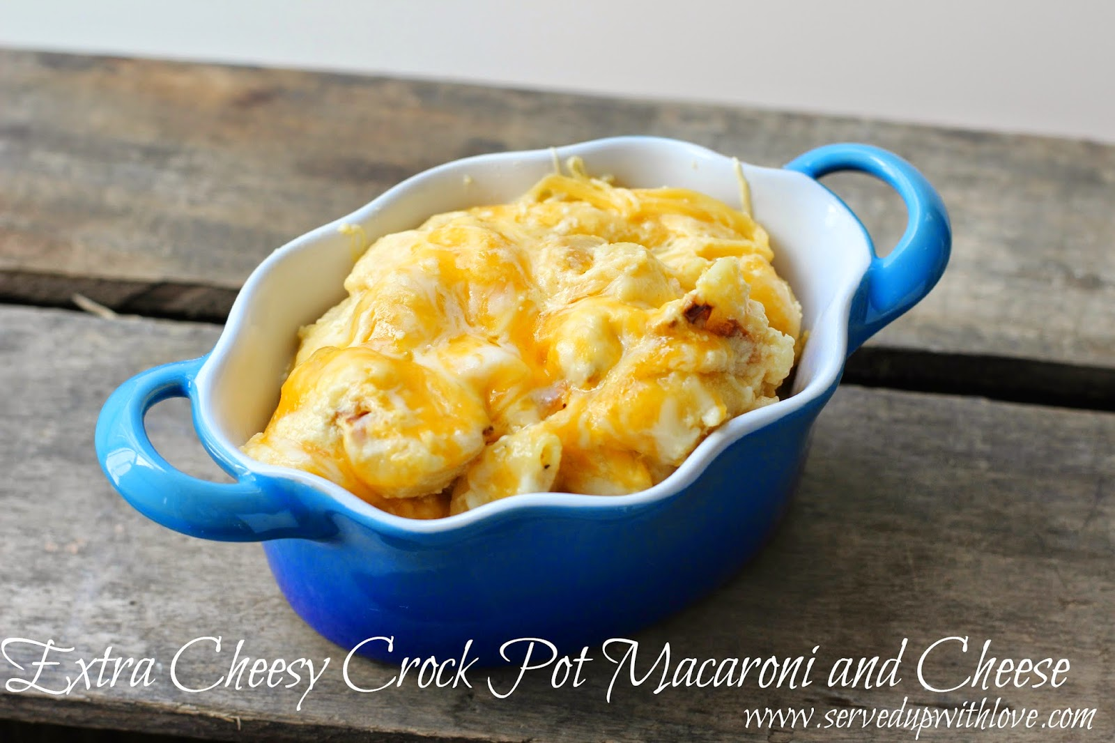 Extra Cheesy Crock Pot Macaroni and Cheese