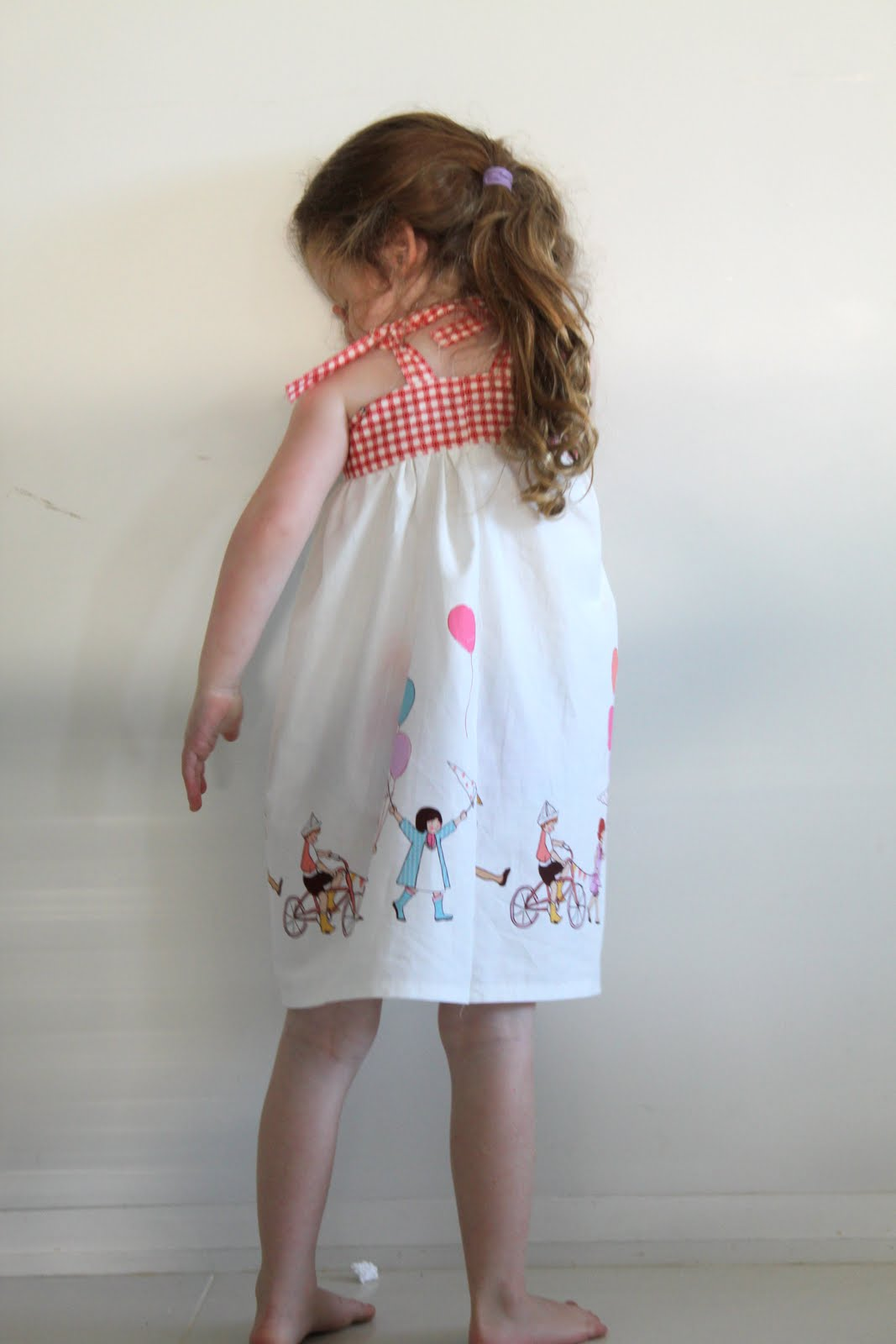 So there you have it a really quick summer dress. I love a project