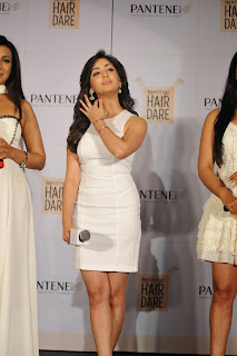 Yami Gautam in spicy white tight skirt lovely Beauty