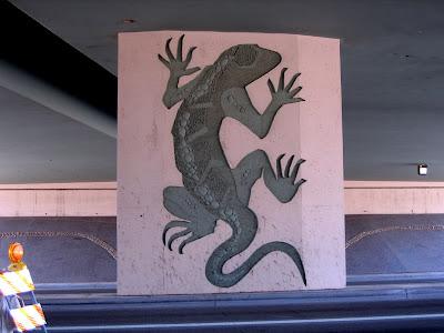 art on loop 101 overpass in scottsdale az