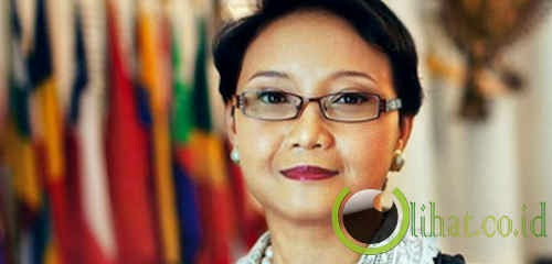Pertama kali Menteri Luar Negeri perempuan