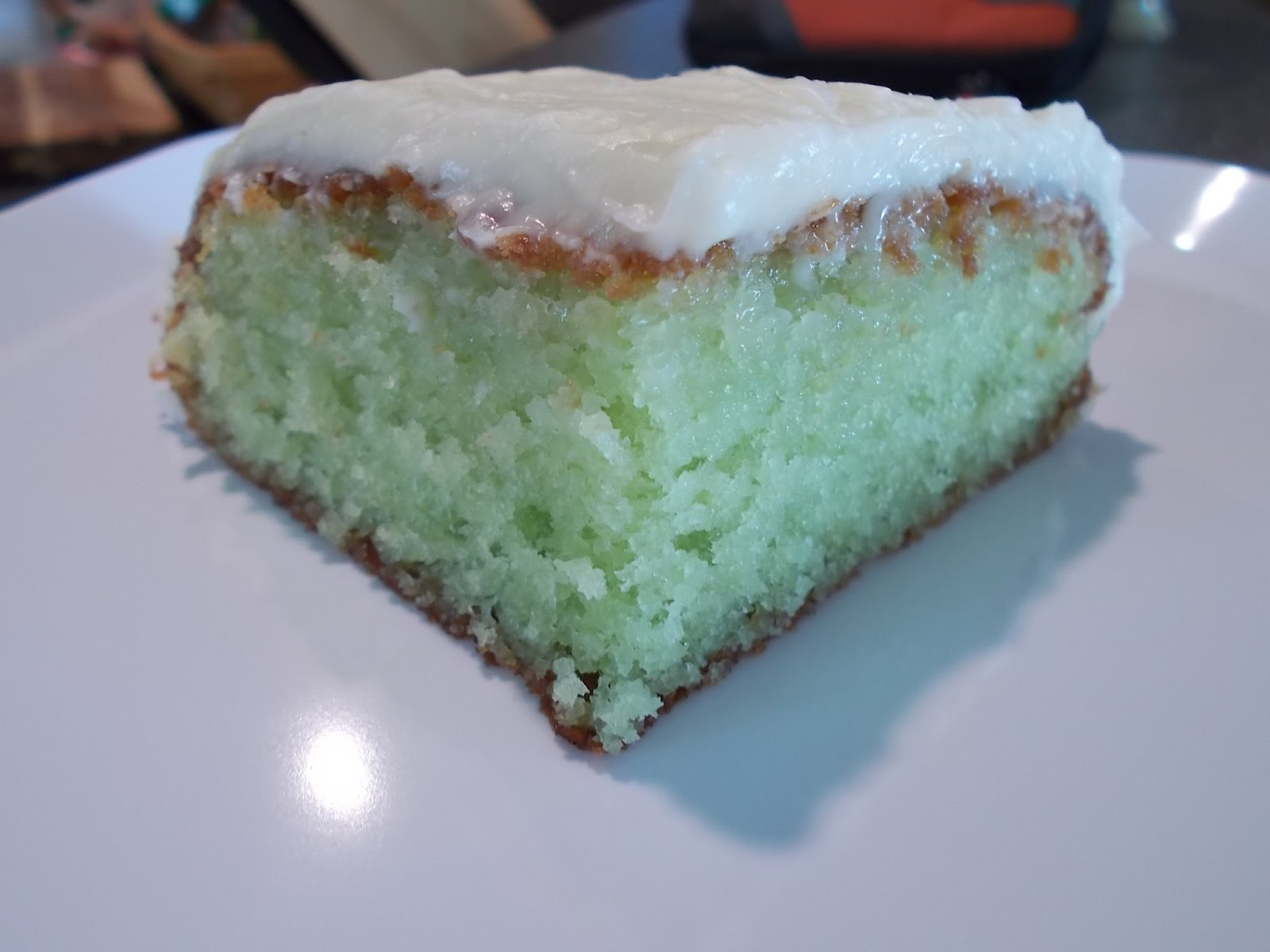 Dawn's Blogalicious: Key Lime Cake