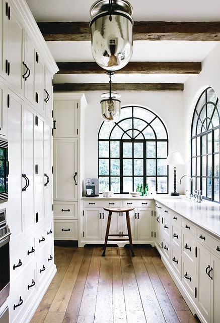 White Kitchen Knobs vancouver interior designer: which pulls/knobs should you choose