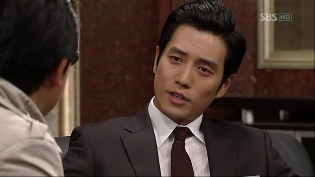 Min Woo mengancam si wartawan. Jika wartawan Kim berani memuat artikel