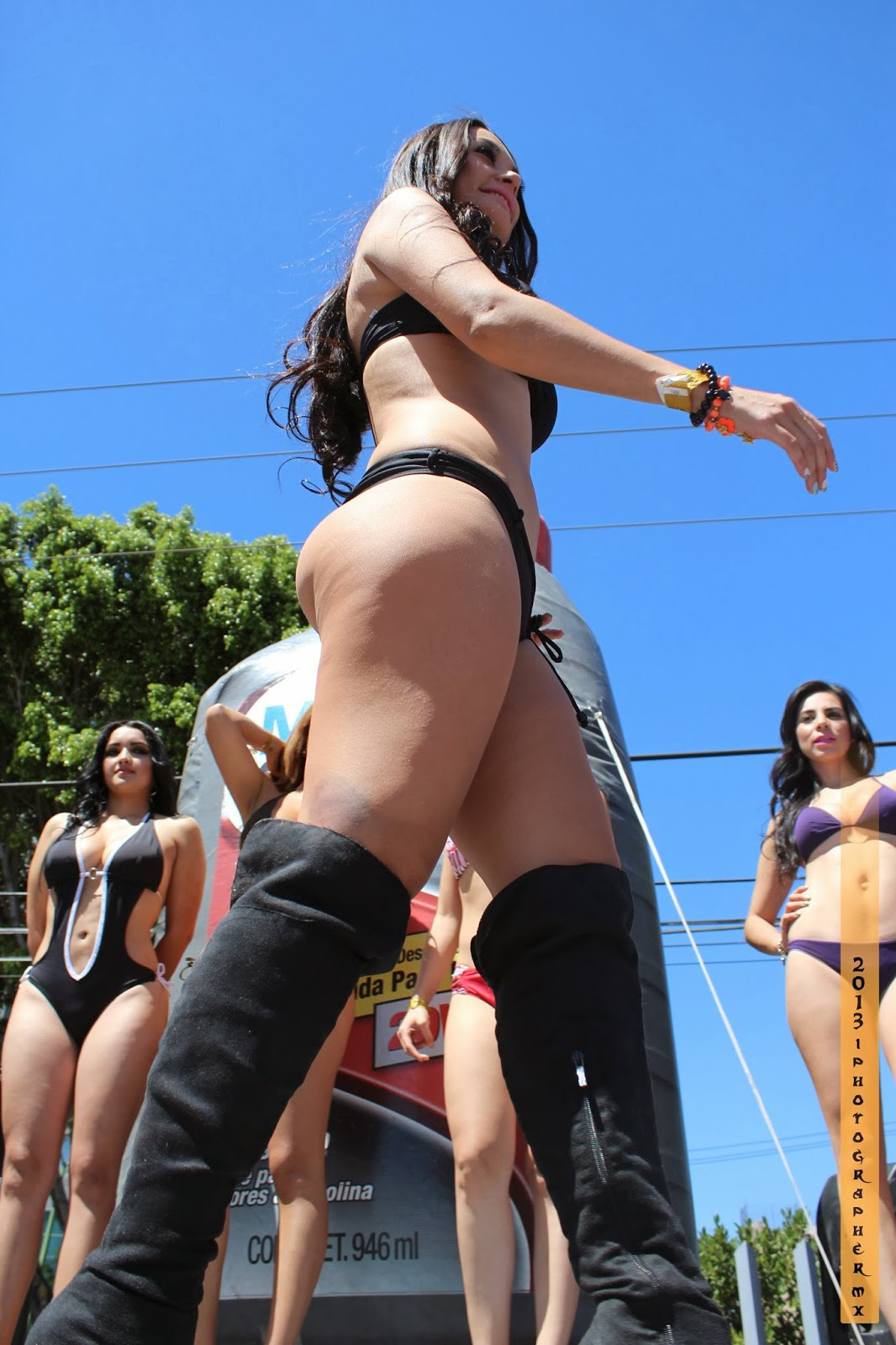 Morena Culona En Bikini Negro