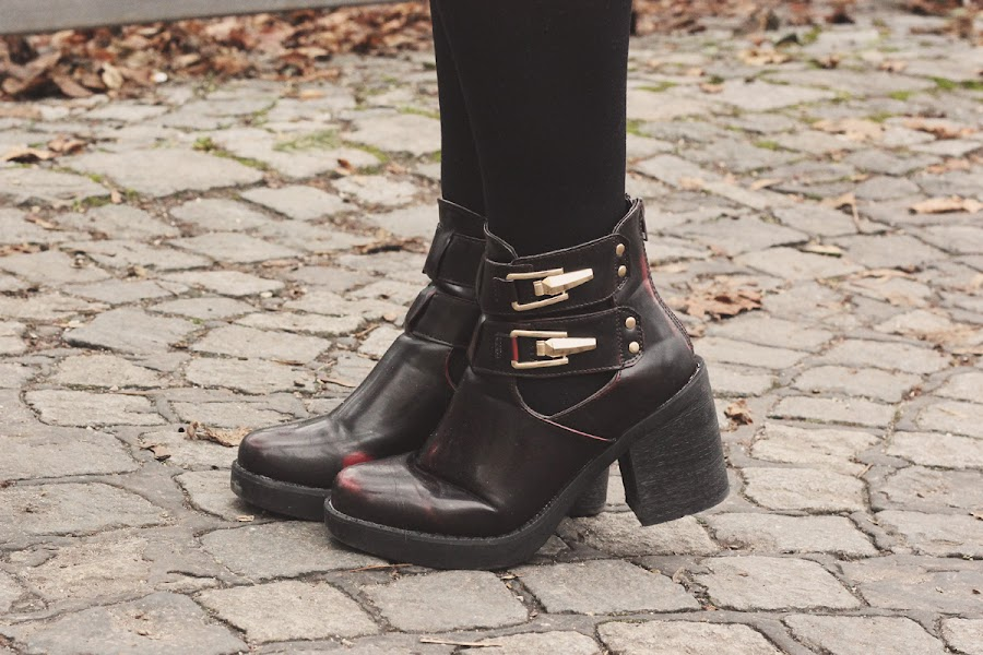 ark burgundy cut out boots