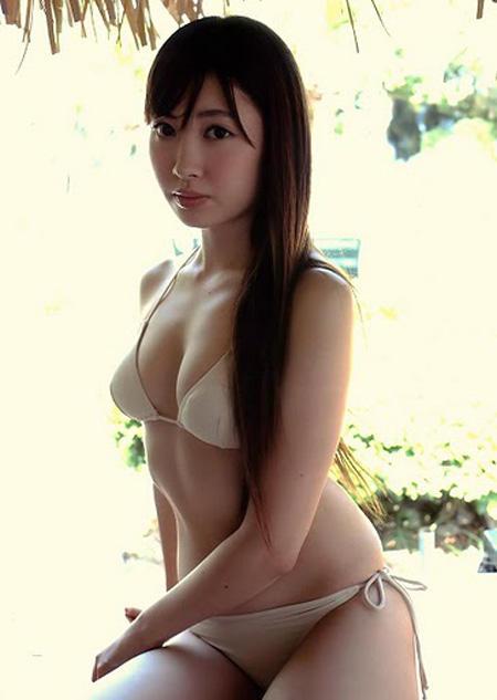 比基尼正妹-小嶋陽菜