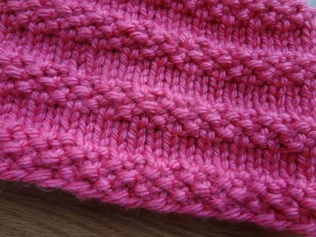 Knitting Cowls In The Round : Fiber flux free knitting pattern bubblegum cowl
