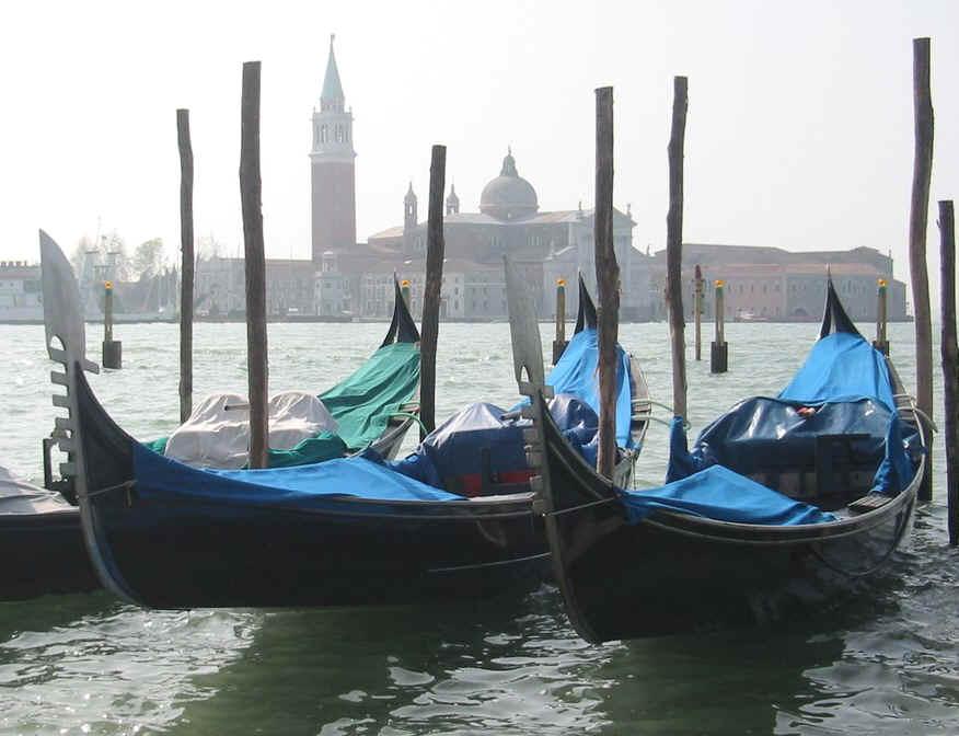 Mystères en Europe: IT - Les gondoles à Venise/Venice gondola dans Nouvelle/Short story Gondole_Venise