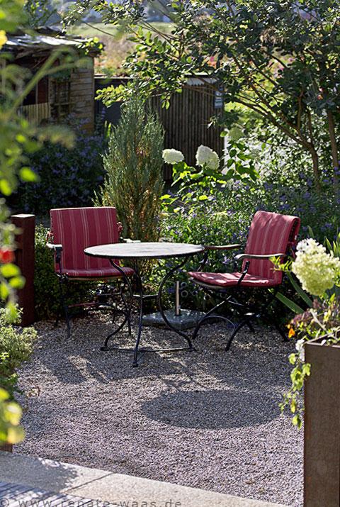 Gartenblog geniesser garten der garten 3 jahre nach dem umbau - Sitzplatz im garten ...