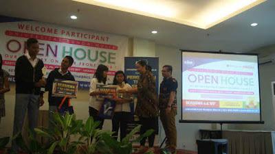 SMA Negeri 1 Ambon berhasil meraih juara debat bahasa inggris, yang digelar oleh Universitas Bunda Mulia (UBM) dengan Kementrian Pariwisata Republik Indonesia.