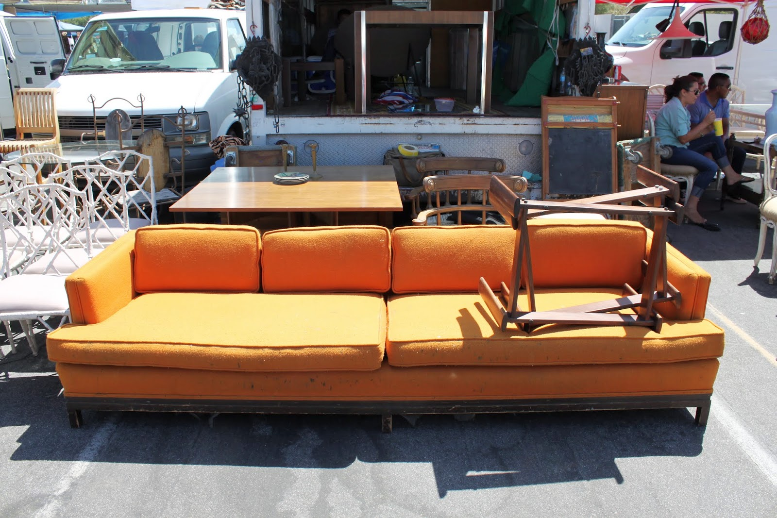 Pasadena rose bowl flea market mid century modern vintage and retro