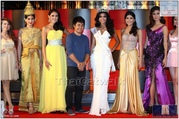 Miss Supranational Thailand 2012, Nanthawan Wannachutha together with her court of runners-up