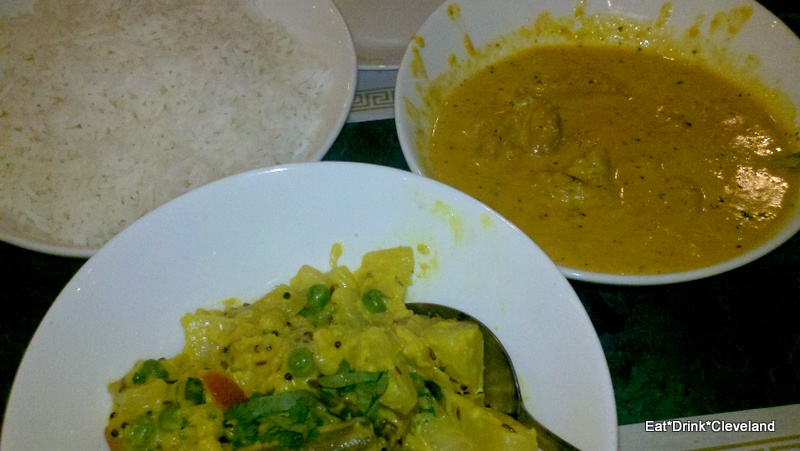 Eat drink cleveland clefood priya indian restaurant for Avial indian cuisine