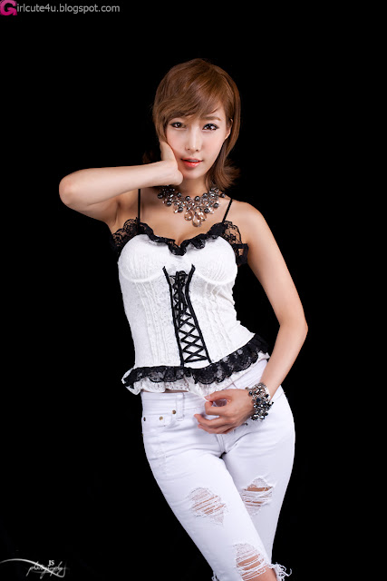 2 Sexy Im Min Young in Bustier-Very cute asian girl - girlcute4u.blogspot.com