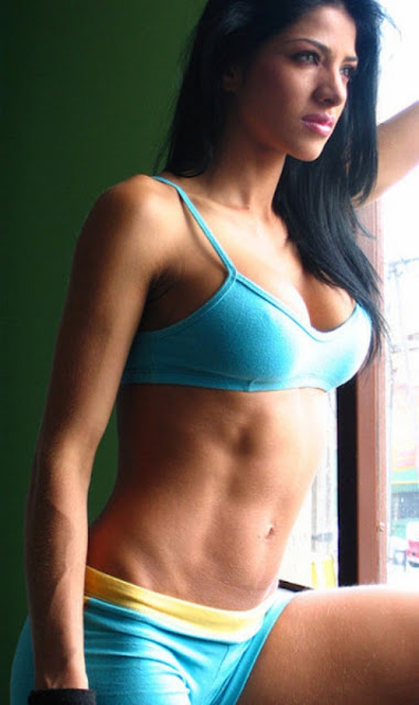 How to Lose Upper-Body Muscle Mass on a Female
