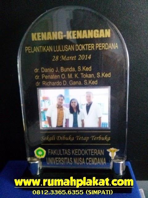 Plakat Akrilik, Plakat Kunjungan Murah, Toko Plakat Surabaya, 0856.4578.4363 (IM3)