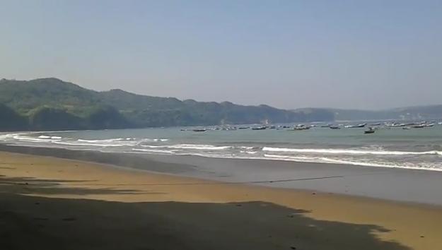 Pantai Sine Tulungagung.