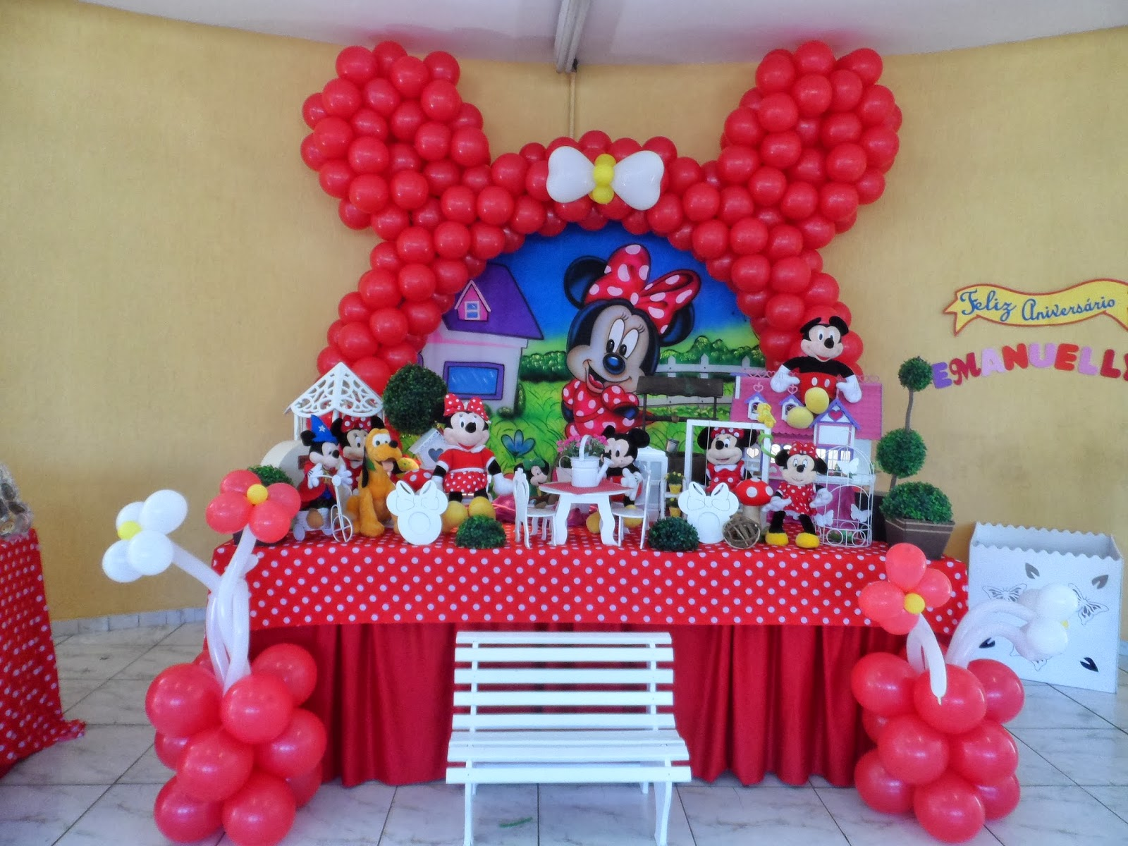 Decorações de Festas Infantis MINNIE VERMELHA COM ARCO DE ORELHA