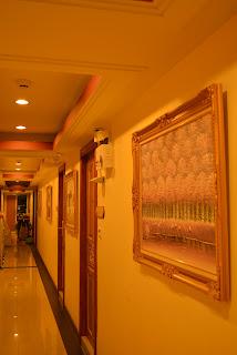 Pratunam Hotel Alley