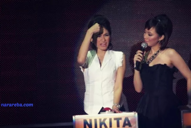 Foto Nikita Mirzani bersama presenter Take Me Out Indonesia, Yuanita Christiani