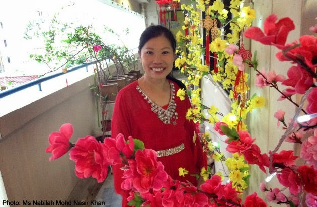 Woman puts up CNY ornaments every year for father who misses mother