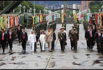 """Maduro llama a una """"rebelión"""" contra la oligarquía"""