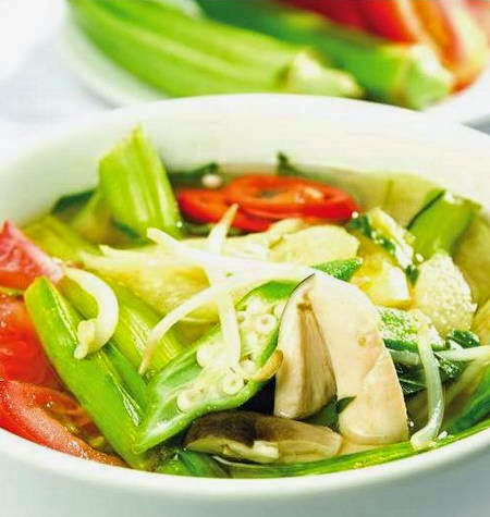 Sour soup vegetarian (Canh chua chay)