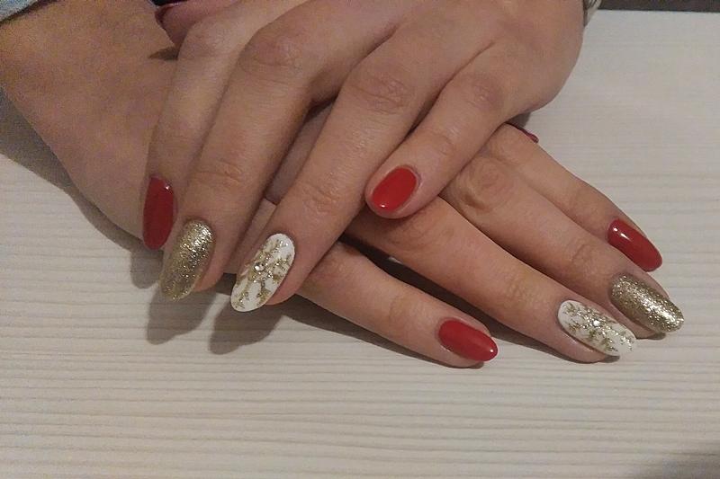 manicure hybrydowy, renifer napaznokciach, zimowy manicure,świąteczny manicure