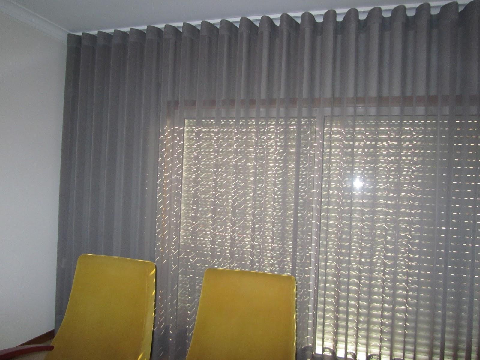 Noz moscada interiores cortinados for Tipos de ganchos para cortinas