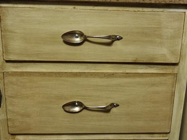 Iowa Farmerz Wife: How To Make Cabinet Handles From Silverware