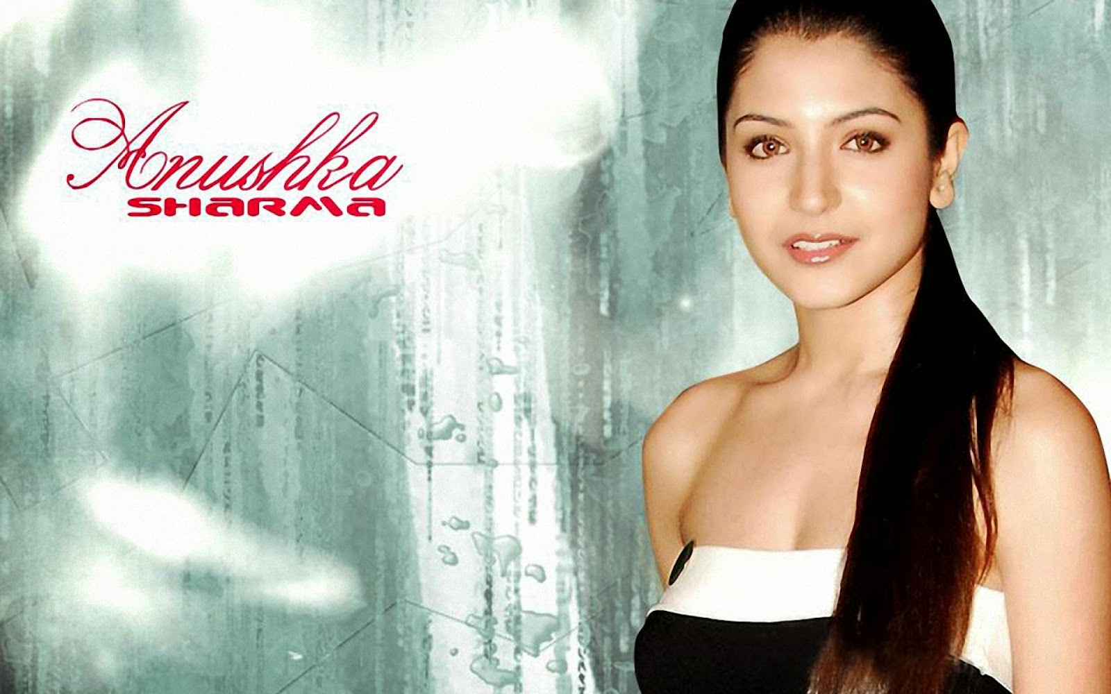 Hot Actress Anushka Sharma