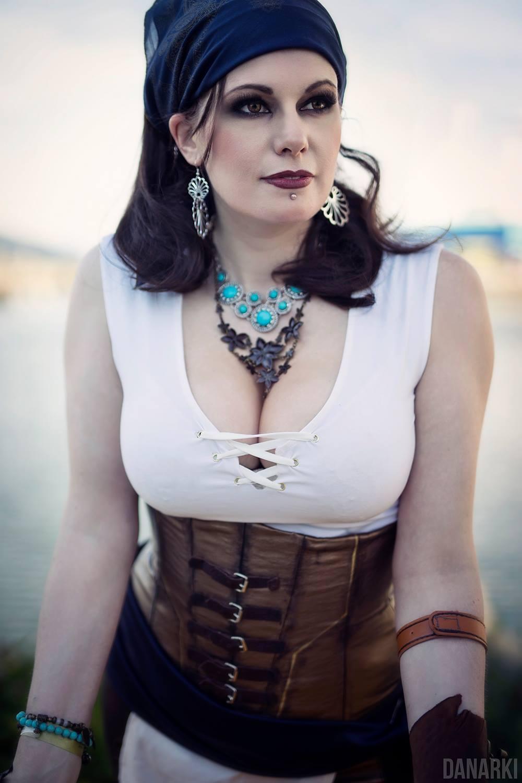 Dragon age isabella cosplay
