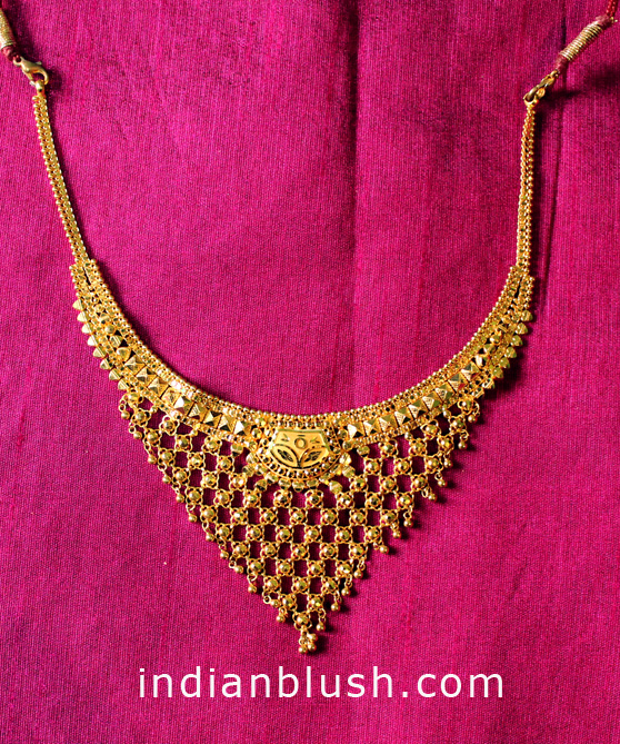 traditional gold necklace with price