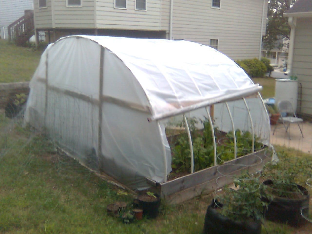 Three Green Thumbs Diy Greenhouse Over Raised Bed Garden