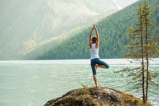 Ini Pose Yoga Terbaik untuk Memperkuat Tulang