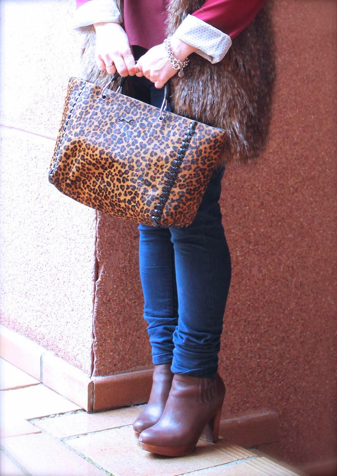 photo-burgundyblazer-leopard-jeans-look-streetstyle