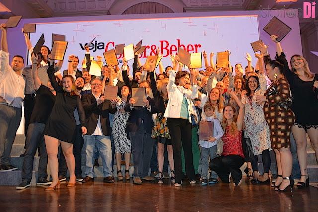 Estabelecimentos premiados no evento Comer & Beber comemorando muito!